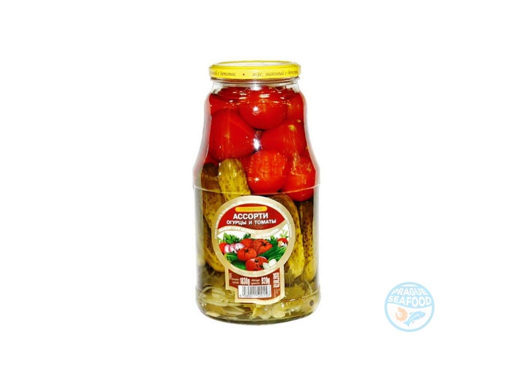 assorti ogurcy i pomidory